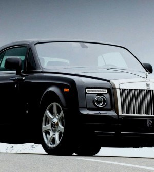 Rolls-Royce- Phantom-Car-Magazine--Luxury-Imports-Most-Expensive-Cars-Dream-Cars-Rich-Cars-Cool-Cars-VIP-S-Bentley-1-1