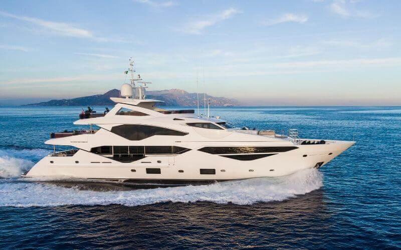 5 Must Have Luxury Essentials #beverlyhills #beverlyhillsmagazine #luxury #luxurylifestyle