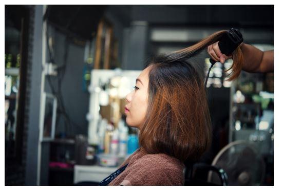 5 Ways to Run A Successful Beauty Salon #beauty #salon #business #bevhillsmag #bevelryhillsmagaizne #BevHillsMag #entrepreneur