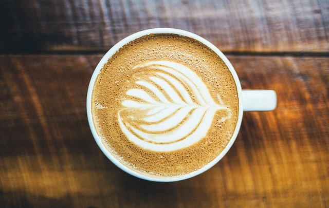 5 Best Coffee Shops in Beverly Hills #coffee #coffeeshops #beverlyhills #beverlyhillsmagazine
