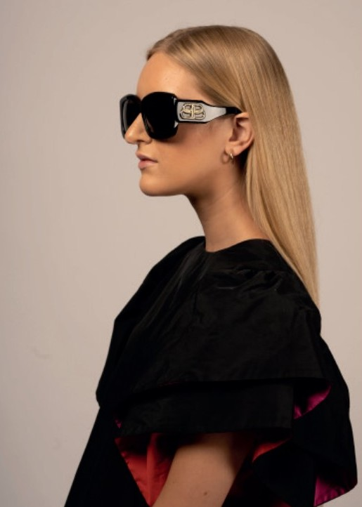 Best Fashion Eyewear Styles For Women #fashion #style #bevhillsmag #beverlyhillsmagazine #sunglasses #beverlyhills