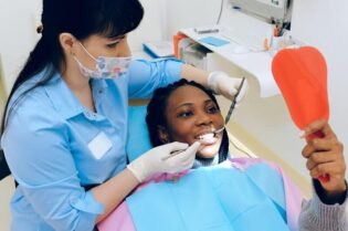 24 Hour Emergency Dental Care: #beverlyhills #beverlyhillsmagazine #dentalcare #dentist #oralhealth #emergencydentist #emergencydentaltreatment #dentalemergency #dentalproblem #dentalwork #bevhillsmag