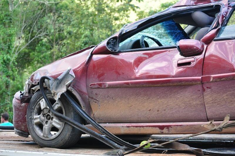 3 Things to Do Immediately after a Car Crash:#beverlyhills #beverlyhillsmagazine #carcrash #caraccident #caraccidentinjury #car #lawsuit #policereport #law