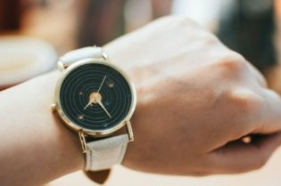 4 Reasons That You Should Be Buying Vintage Luxury Watches # vintage luxury watches #vintage watches