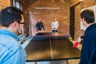 4 Surprising Indoor Sports to Play #beverlyhills #beverlyhillsmagazine #indoorsports #golf #ping-pong #mentalhealth #physicalhealth #darts #boxing