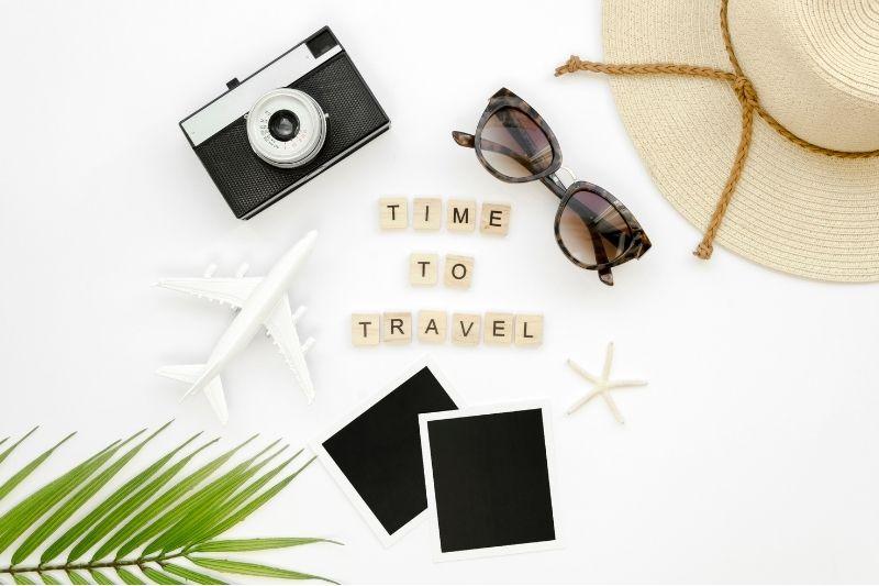 4 Ways to Make Your Traveling Comfortable #beverlyhills #beverlyhillsmagazine #familiarizewithdestination #learnbasiclanguage #comfortablevacation #estimateexpenses #traveling