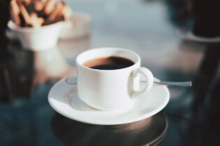 5 Coffee-Facts You Probably Didn't Know:#beverlyhills #beverlyhillsmagazine #coffee #takingcoffee #benefitsofcoffee #healthandlifestyle #healthbenefits #coffeehealthbenefits #antioxidants #growingcoffee