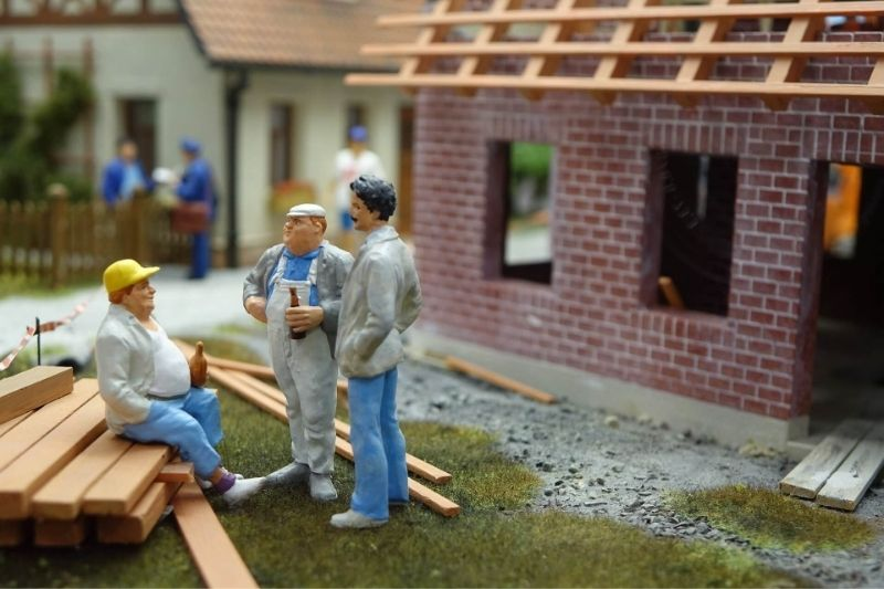 5 Rookie Roofing Mistakes To Avoid:#beverlyhills #beverlyhillsmagazine #roofingmistakes #roofing #homerenovations #roofingcontractors #roof #roofmaintenance #roofrepair