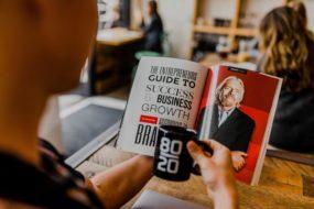 5 Things Every Entrepreneur Must Have:#beverlyhills #beverlyhillsmagazine #entrepreneur #entrepreneurship #notebooksandpens #egornomicchair #qhiteboard #smartwatch #protectiveglasses