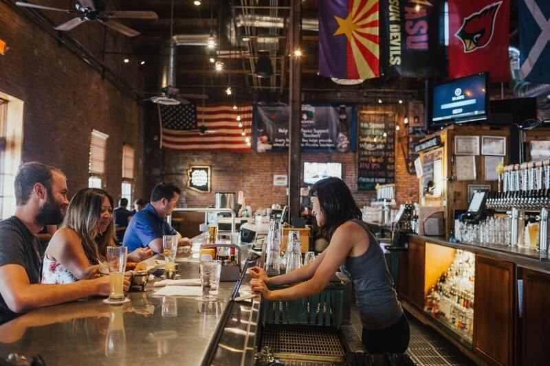 7 Tips To Attract More Customers To Your Bar:#beverlyhills #beverlyhillsmagazine #bar #runningabar #business #attractingcustomers #successfulbusiness #club #barbusiness #businessmanagement