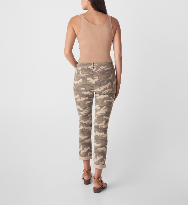 Beverly Hills Magazine Beau Mid Rise Slim Leg Jeans