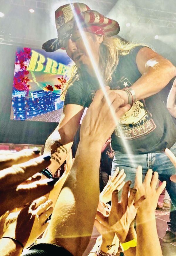 Beverly-Hills-Magazine-Bret-Michaels-Poison-Lead-Singer-Celebrity-Interview-2.
