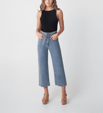 Beverly Hills Magazine CAPRIS & CROPPED JEANS