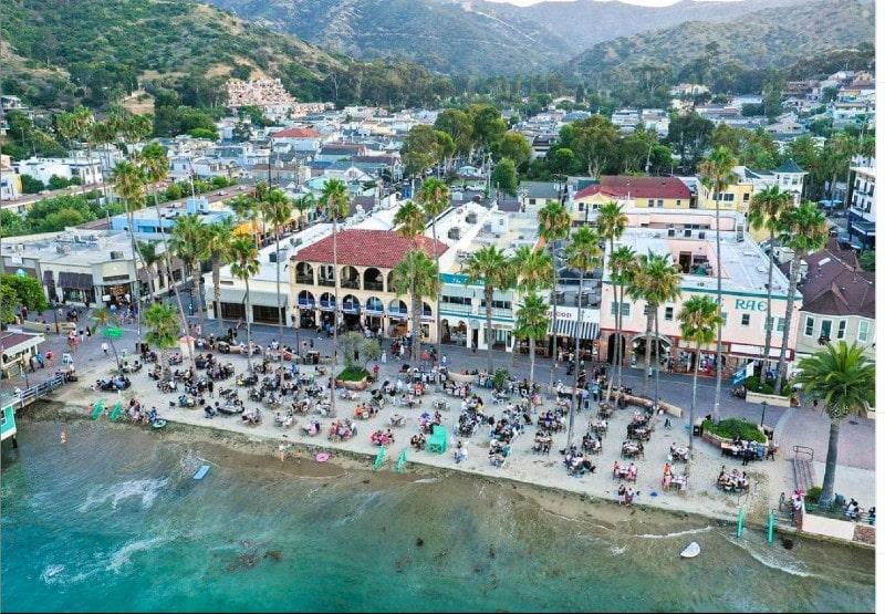 Beverly Hills Magazine Catalina Island Dining on beach