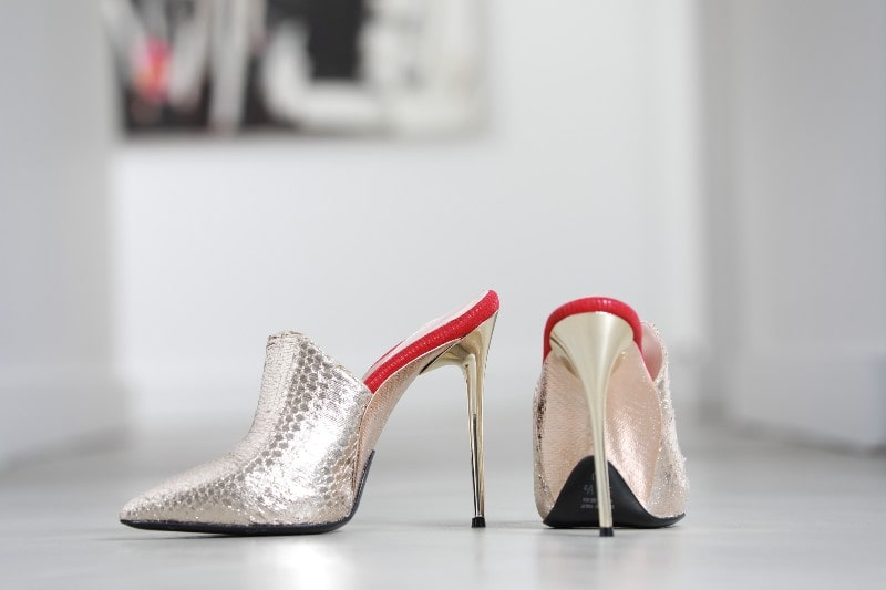 Fashion World: Enrico Cuini #bevhillsmag #enricocuini #comfortableheels #highheels #fashion #style