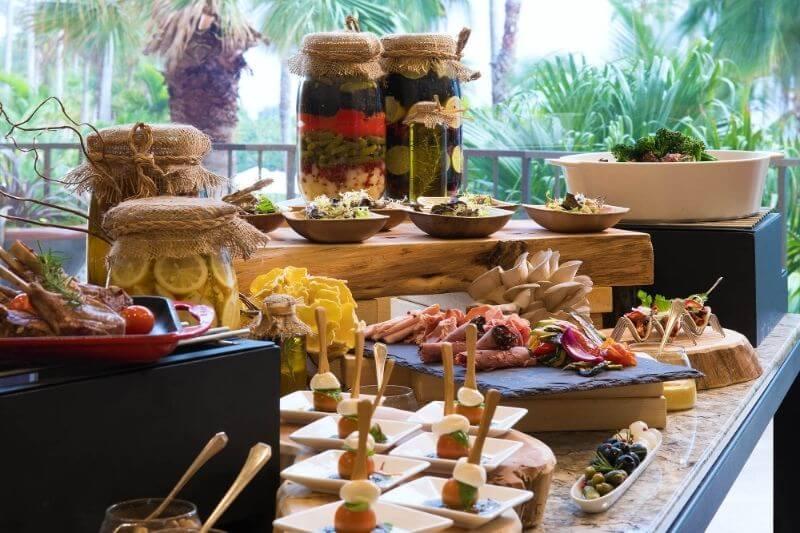Fairmont Southampton Bermuda Luxury Resort: #beverlyhills #beverlyhillsmagazine #fairmontsouthamptonbermuda #bermuda #fairmonthotels #luxuryresorts #bucketlist #holidaydestinations #vacation