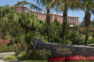 Fairmont Southampton Bermuda Luxury Resort: #beverlyhills #beverlyhillsmagazine #fairmontsouthamptonbermuda #bermuda #fairmonthotels #luxuryresorts #bucketlist #holidaydestinations #vacation #bevhillsmag