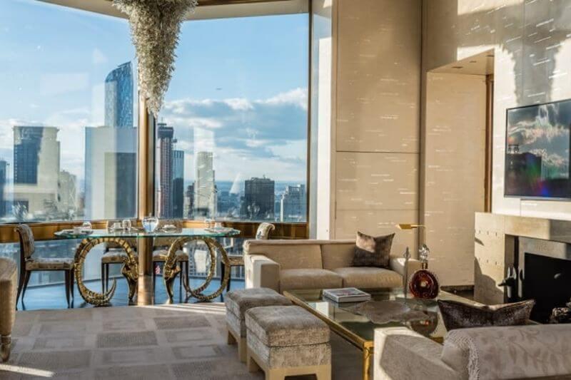 Four Seasons Hotel New York Downtown: #beverlyhills #beverlyhillsmagazine #bevhillsmag #fourseasonshotel #fourseasonsnewyork #hotelsinnewyork #luxuryhotels #vacationhotels #manhattanhotels #holiday #bucketlist