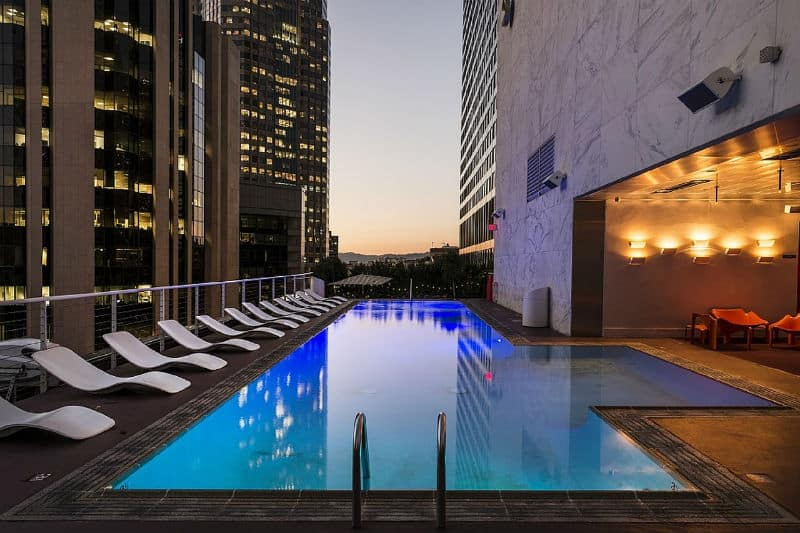 Luxury Sightseeing in Los Angeles- Hotel Rooftop Pool #losangeles #moviestars #celebrities #beverlyhills #beverlyhillsmagazine ##luxury #bevhillsmag #cars #rich #famous #travel #sightseeing