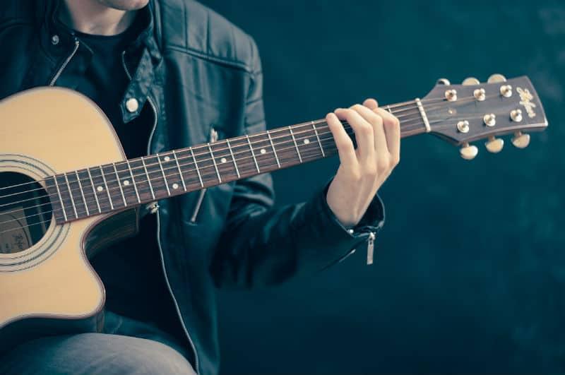 4 Great Ways To Revamp A Musician's Home #music #musicstars #celebrities #celebritylife #musicartist #bevhillsmag #beverlyhillsmagazine #beverlyhills
