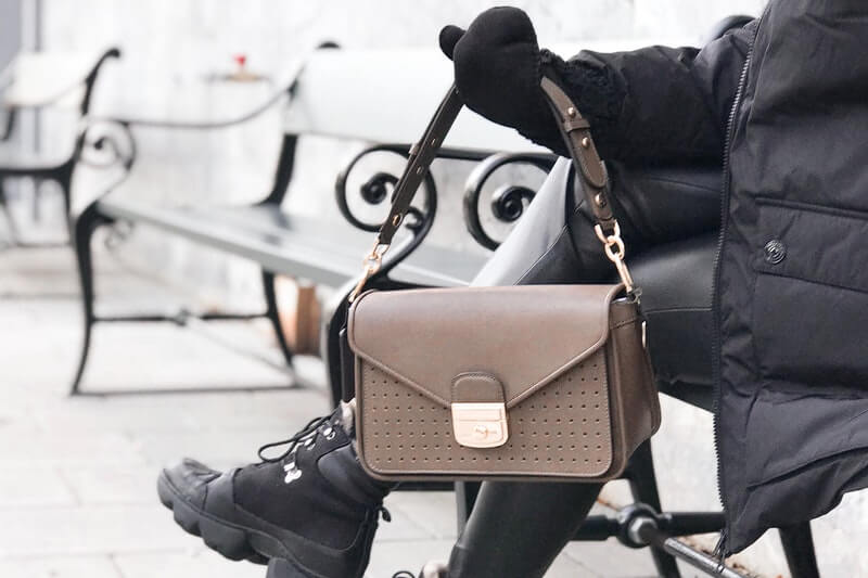 Hottest Handbag Trends of Fall 2020: #beverlyhills #beverlyhillsmagazine #handbagtrends #handbag #fashion #fall2020 #fallhandbags #trendybags #fall #bevhillsmag