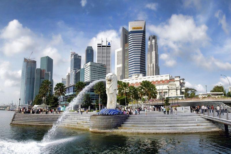 How to Enjoy a Luxury Break in Singapore #beverlyhills #beverlyhillsmagazine #bevhillsmag #singapore #luxurytravel #luxuryfashion #hotels #takealuxurybreak #singaporenationalgallery