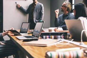 How to Spread Your Business Over the Internet:#beverlyhills #beverlyhillsmagazine #business #onlinebusiness #socialmediamarketing #seostrategies #internetmarketing