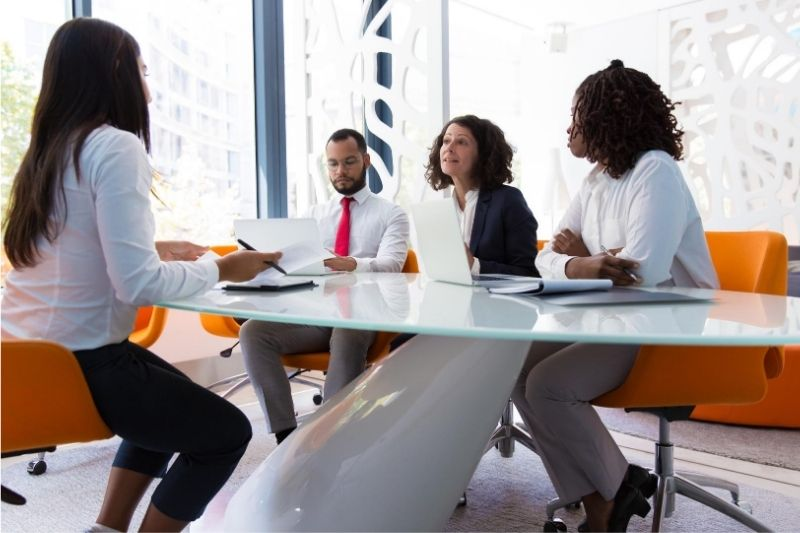 How to Stand Out in an Interview #beverlyhills #beverlyhillsmagazine #resume #submitapplication #hiringmanagers #jobhunting #interview #murphy'slaw #goodimpression #dresstoimpress