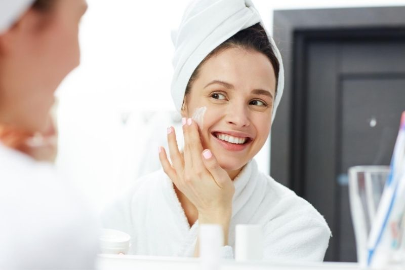How to Take Care of Your Skin in These 4 Easy Steps #skin #skincare #takecareofyourskin #nutritiousdiet #healthy-lookingskin #healthyskin #damagedskin #skinproducts #younger-lookingskin #beverlyhills #beverlyhillsmagazine