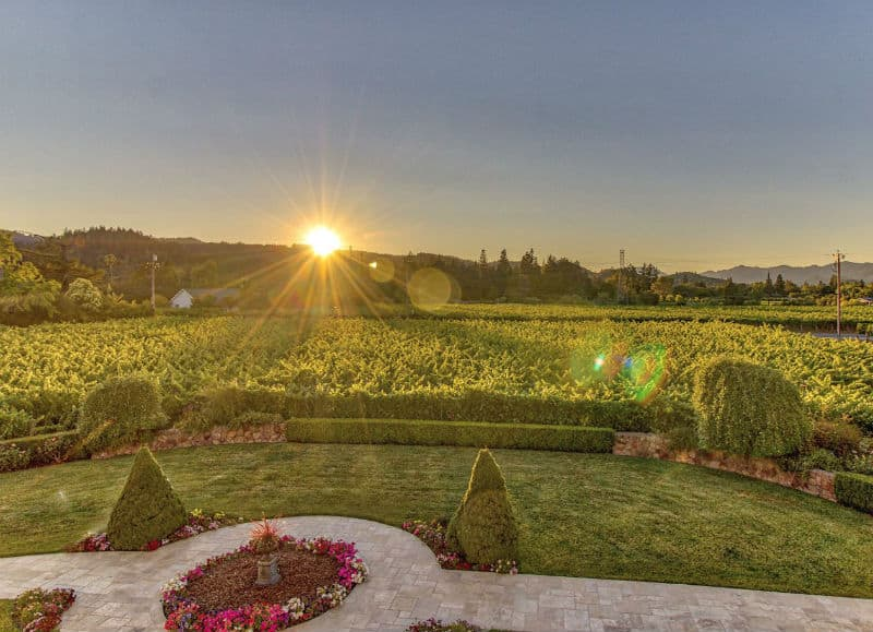 Own a Luxury Estate in the Napa Valley #beverlyhills #beverlyhillsmagazine #luxury #realestate #homesforsale #napavalley #california #dreamhomes #beverlyhills #bevhillsmag #beverlyhillsmagazine