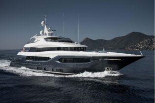 Luxury Motor Yacht: The 133' Viatoris Conrad #beverlyhills #beverlyhillsmagazine #bevhillsmag #viatoris #conrad #133'viatorisconrad #superyacht #motoryacht #yachts #yachtlife #yachting #luxuryyacht
