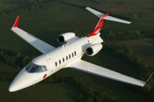 Luxury Private Jet: The Bombardier Learjet 40 #bombardierlearjet40 #learjet40 #bombardier #beverlyhills #beverlyhillsmagazine #bevhillsmag #luxuryprivatejet #luxuryjet #businessjet #privatejet #jet