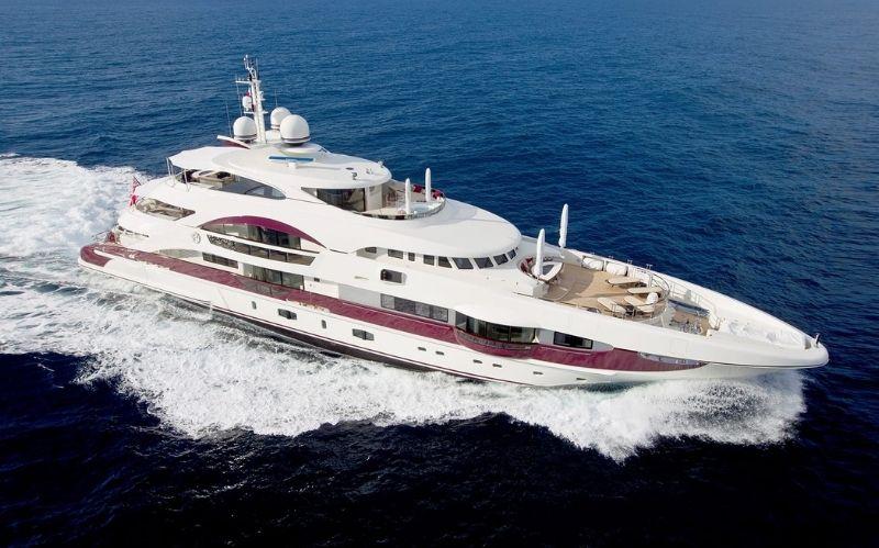 Luxury Superyacht: Quite Essential from Heesen #Beverlyhills #beverlyhillsmagazine #heesenshipyaard #luxuryyacht #luxuryyachtlife #yachting #yachts #worldsuperyachtawards #quiteessential #luxurysuperyacht #bevhillsmag