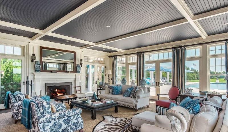 Hamptons Luxury Home in Quogue, New York#beverlyhills #beverlyhillsmagazine #luxury #realestate #homesforsale #hamptons #newyork #beachside #realestate #dreamhomes #beverlyhills #bevhillsmag #beverlyhillsmagazine