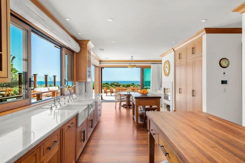 Pierce Brosnan's Malibu Beach Orchid House: #beverlyhills #beverlyhillsmagazine #bevhillsmag #piercebrosnan #malibu #malibuhome #malibubeachorchidhome #luxuryhomes #hollywood #vacationhomes #orchidhouse