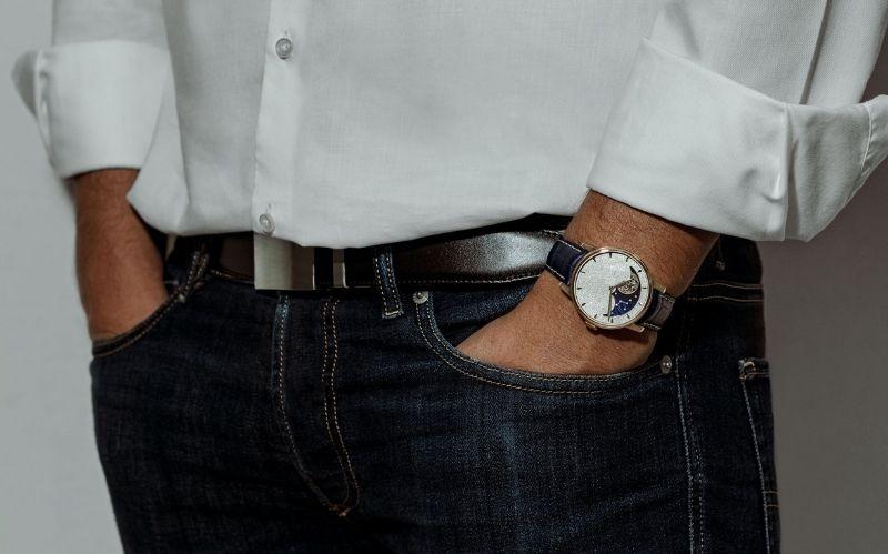 Classy Watch: Perpetual Moon Obsidian #beverlyhills #beverlyhillsmagazine #bevhillsmag #buywatches #classywatch #luxurywatch #men'swatches #men'swatchonline #lovewatches #perpetualmoonobsidian #arnoldandson