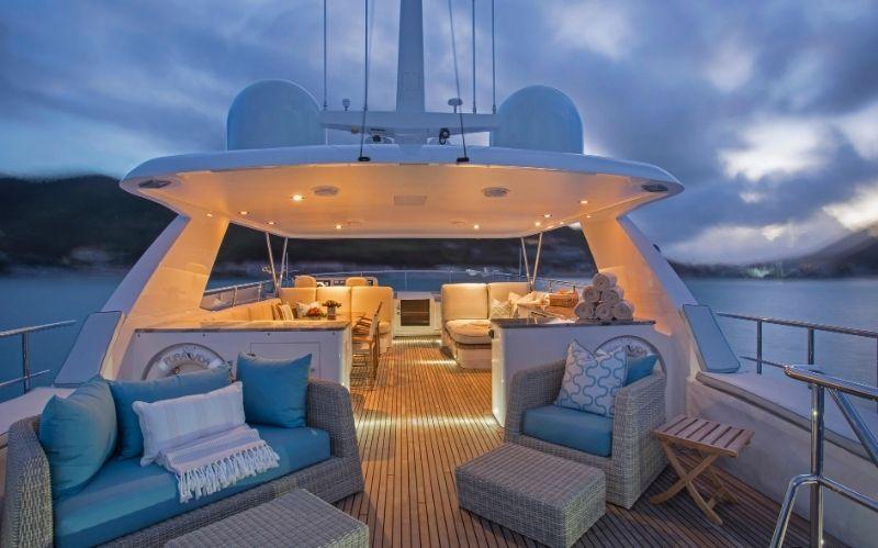 Pura Vida: The Luxury Yacht from Moonen #beverlyhills #beverlyhillsmagazine #bevhillsmag #puravida #moonen #dutchshipyard #yachting #yachts #motoryacht #yachtlife #luxuryyacht #superyacht