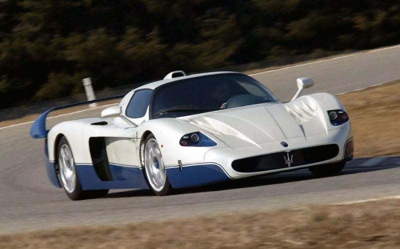 Racing Supercar: Maserati MC12 #beverlyhills #beverlyhillsmagazine #bevhillsmag #supercars #fastcars #luxurycars #cars #coolcars #racecars #racetrack #maserati #mesaratimc12