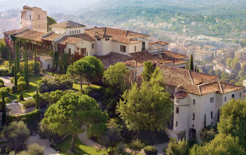 An Exclusive Vacation at Chateau Saint-Martin & Spa