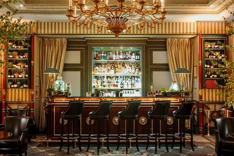 Shangri-La Hotel Paris-France:#beverlyhillsmagazine #beverlyhills #bevhillsmag #bucketlist #holidaydestinations #luxury #luxuryhotel #paris #shangrilahotel #travelling #vacationdestinations