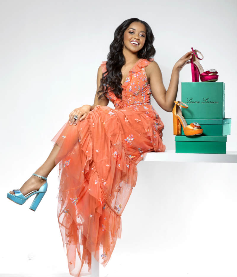 Black Female Models With Shoes And Shoeboxes