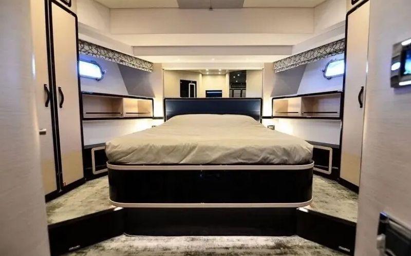 The Ultimate Superyacht Magellano 76 #superyacht #yachtlife #yachting #yacht charter #luxuryyacht #Azimutyacht #Italianshipyard #Azimut #bevhillsmag #beveryhillsmagazine #beverlyhills