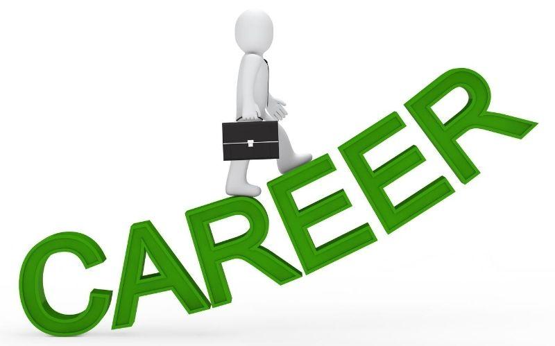 Think You've Hit a Roadblock in Your Career? #dreamjob #careerroadblock #growthopportunities #learnnewskills #futuregoals #seeknewjobs #career #careergrowth