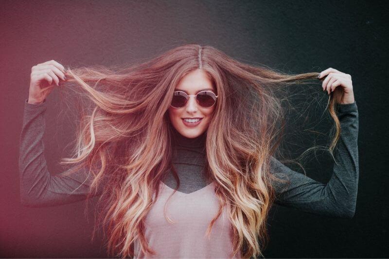 Want a Lushful and Healthy Hair? Here's How: #beverlyhills #beverlyhillsmagazine #healthyhair #haircare #hair #shinyhair #beautifulhair #damagedhair
