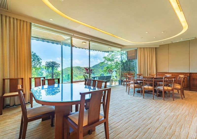 Hong Kong Island Luxury Home $76,440,000 #RepulseBay #HongKong #China #beverlyhills #beverlyhillsmagazine #luxury #realestate #homesforsale #dreamhomes #mansions