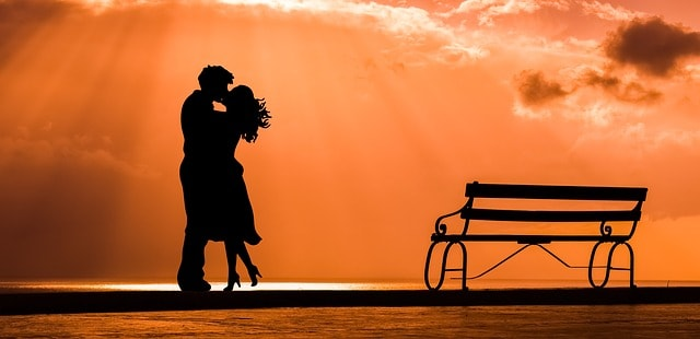 Simple Yet Heartwarming Ways to Show Love #dating #marriage #love #relationships #beverlyhills #beverlyhillsmagazine #bevhillsmag