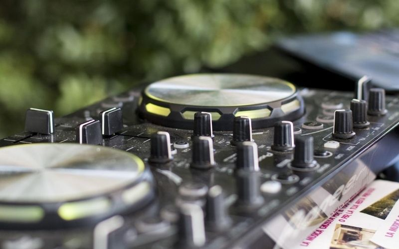 What You Should Ask a Wedding DJ Before Hiring One For Your Big Day #wedding dj #dj