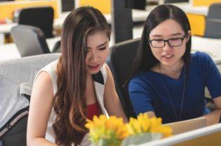 Fashion Marketer: Where to Study to Get a Dream Job? #fashion marketer