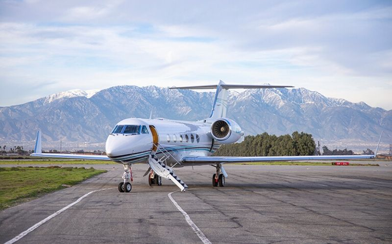 Private Business Jet: The Gulfstream G-IV#jet#private jet#jet charter#buy a jet#jet online#luxury jet#beverly hills#beverly hills magazine