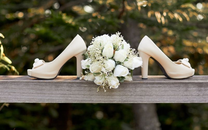 Tips to Find that Perfect Pair of Bridal Shoes #wedding shoes